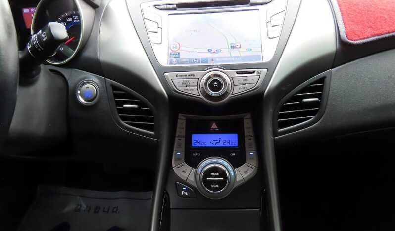 2013 Hyundai Avante MD full